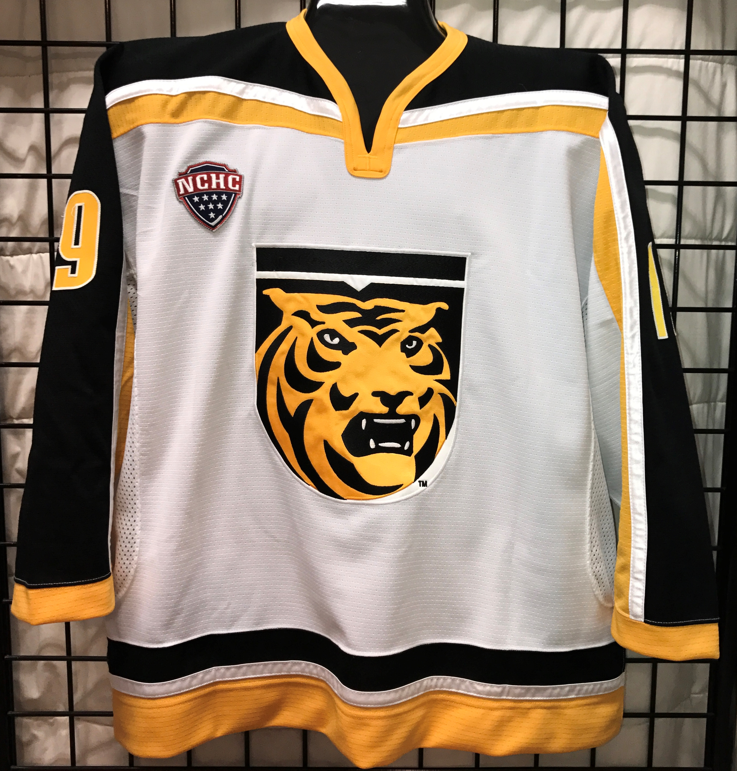 buy popular 22b6b df7ce cc tiger hockey jersey